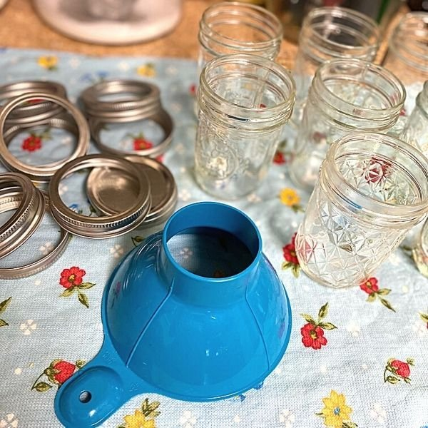 Cucumber Jalapeno Jars Setup